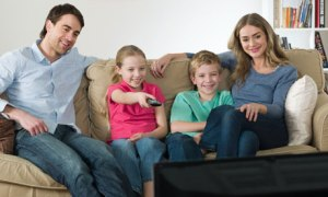 A-family-watching-TV-006
